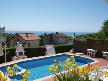 Guest house just 1.5 km from the resort of Albena and 6 km from Balchik
